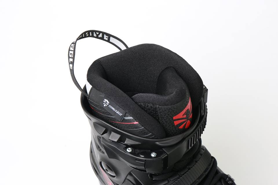 Giày Patin Flying Eagle F4 Raven | Lót trong giày êm ái và thoáng khí