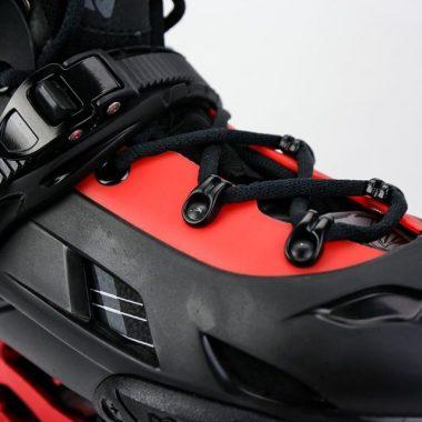 Giày patin Flying Eagle F7 Optimum 2020 | Khóa thân giày và dây buộc hỗ trợ xiết