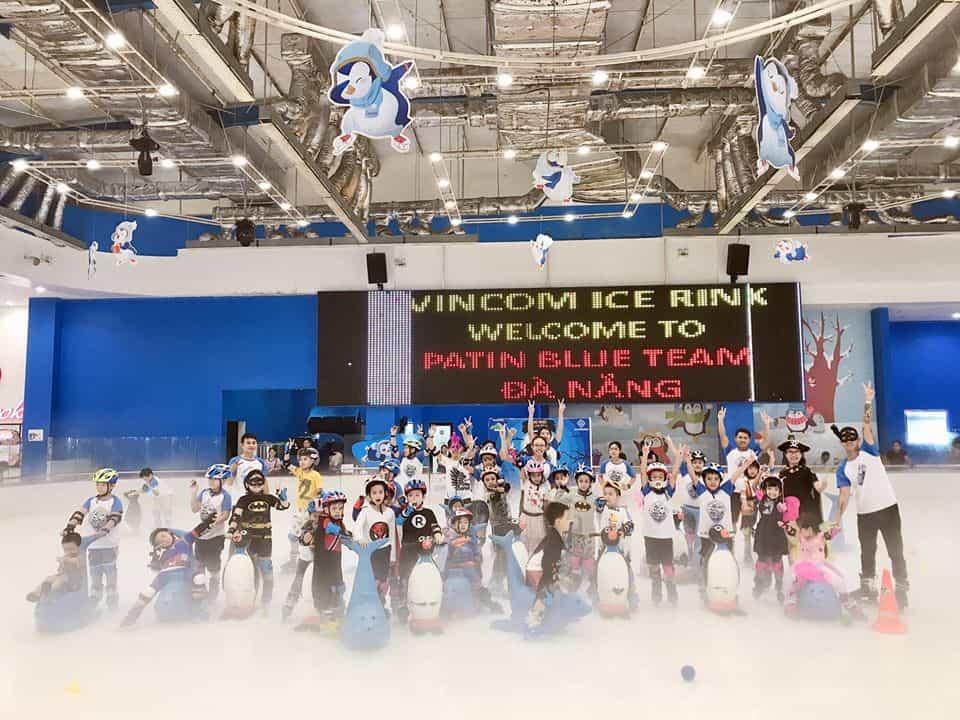 Học viên Blue Team trải nghiệm trượt băng