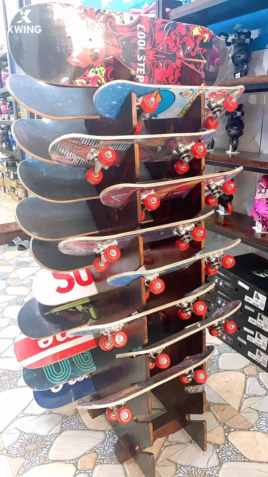 Kệ trưng ván trượt tại XWING Store chi nhánh TP Vinh