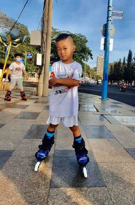 Bé Thái Minh Tiến 3 tuổi, thành viên nhí CLB Patin Vũng Tàu